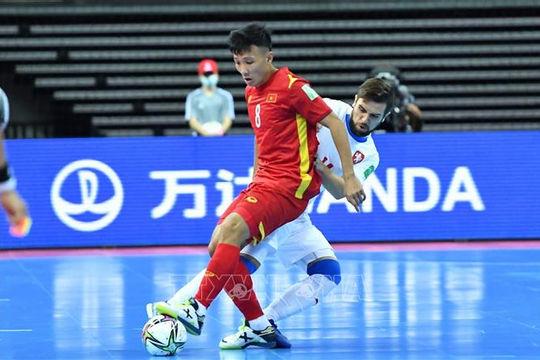Báo Séc, CĐV quốc tế bất ngờ với đội tuyển futsal Việt Nam